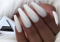 23 Stylish ways to wear white sarong nails