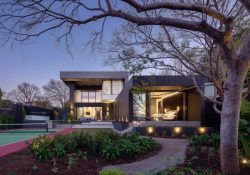 J-house of Wolf Architects in Toorak, Melbourne