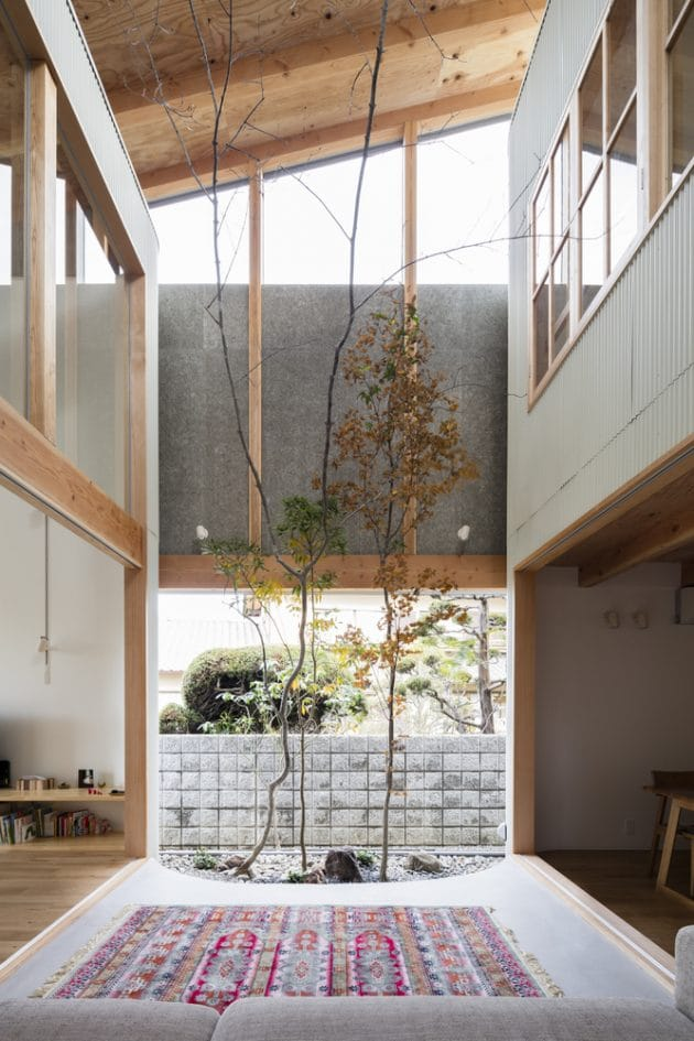 Melting house SAI architecture office in Yao, Japan