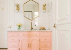 Stylish ideas for creating pink master bathrooms