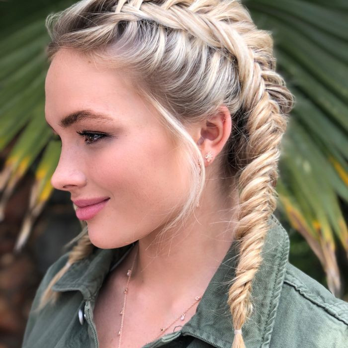 Sweet hairstyles for long hair 2020 15 Simple hairstyles for long hair