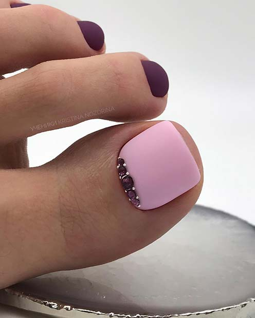 Purple and pastel pink foot design