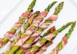 SIMPLE asparagus wrapped in bacon (only 20 minutes!)