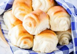 Super Soft and Fluffy Lion House Rolls