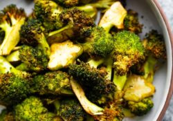 Crispy Air Fryer Broccoli | sweetpeasandsaffron.com
