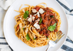 EASY One-Pot Homemade Bolognese Sauce