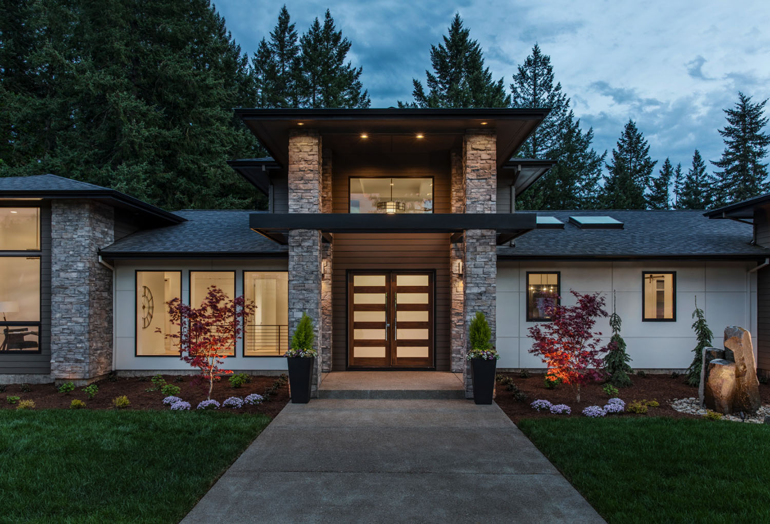 custom-home-modern-entry