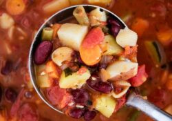 One-Pot Minestrone Soup (30 minutes!)