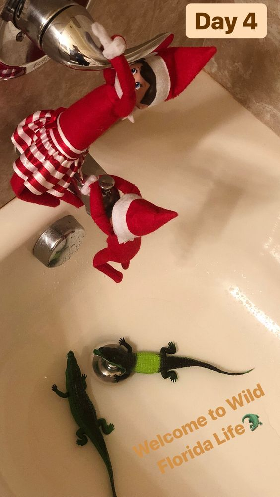 Funny elf on the shelf ideas in the bath