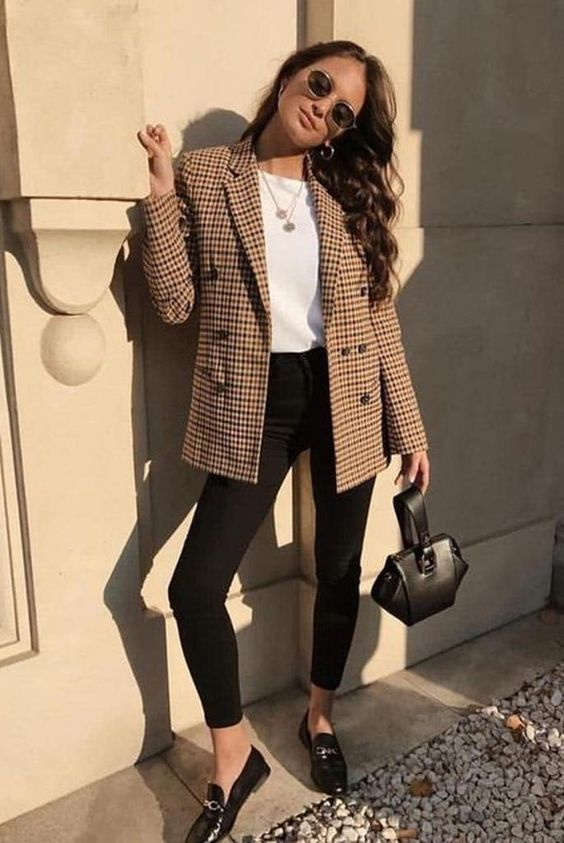 Chic business casual outfits for women, work outfits for women and plaid blazer outfits