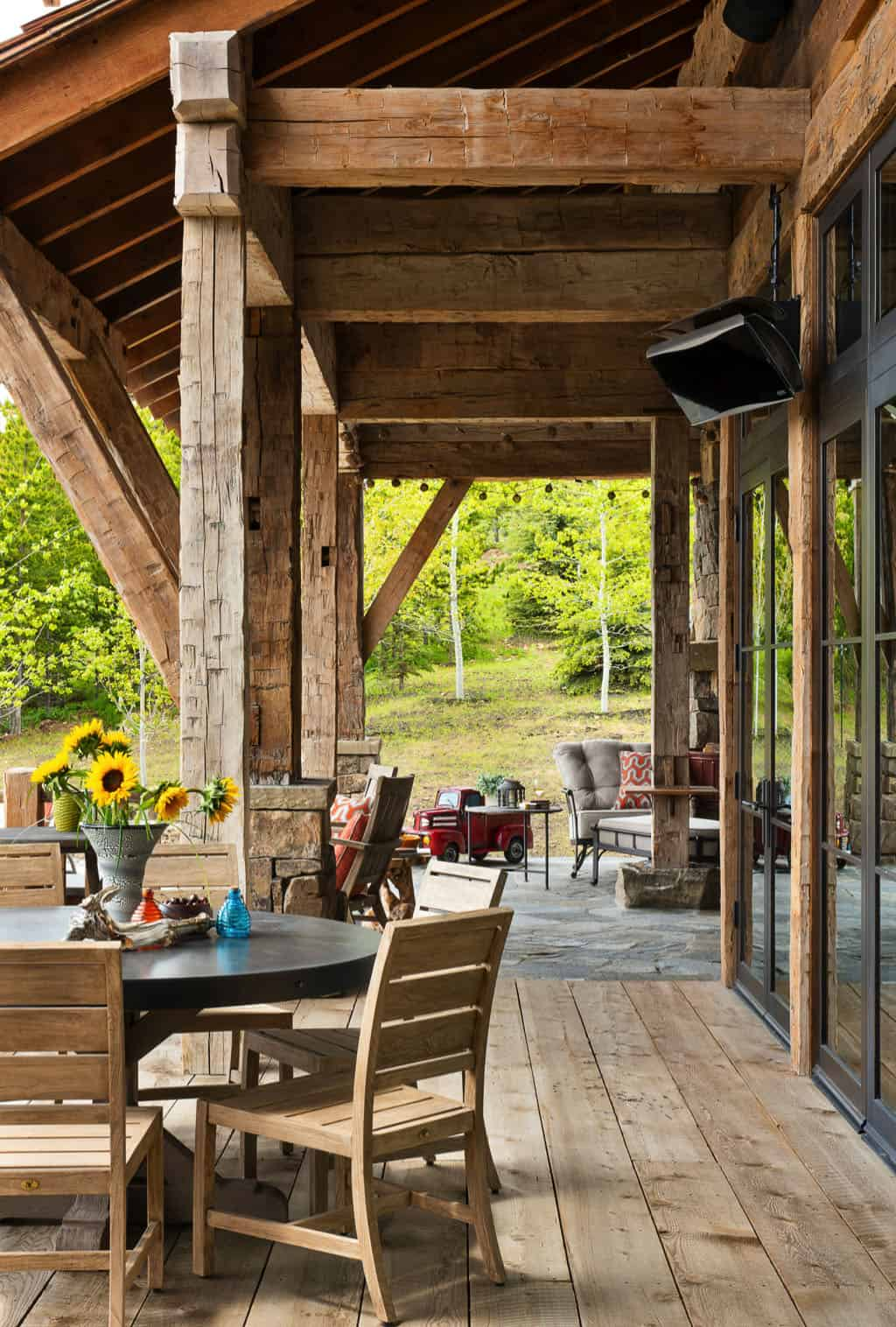 rustic-mountain-home-covered-patio