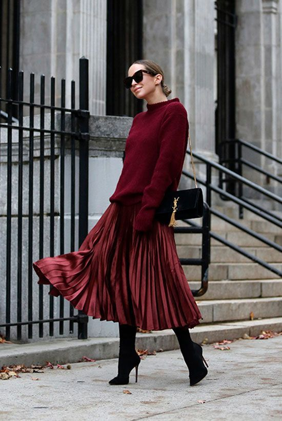 Stylish and cute Christmas dresses for women with burgundy pleated skirts