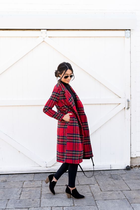 Casual Christmas outfit ideas with a checked jacket