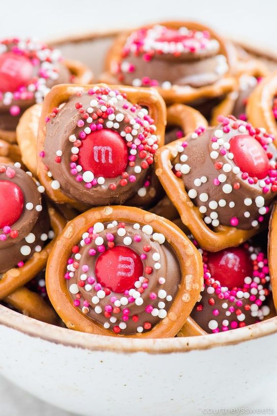 Rolo pretzels Valentine's Day sweets
