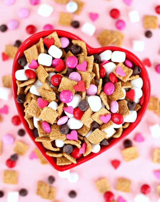 Simple treats for Valentine's Day: S & # 39; mores Snack Mix