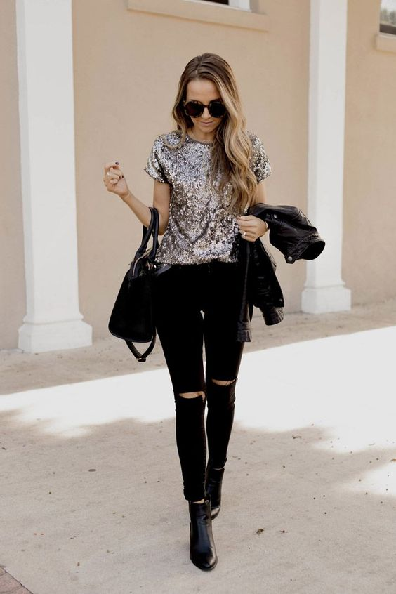 Casual New Year's outfits with jeans and a sequin top