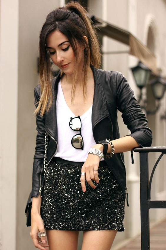 Daily New Year's outfits with leather jackets and sequin skirts