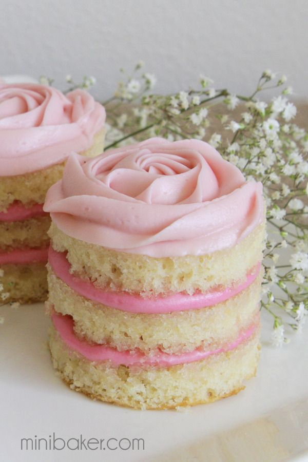 Cute Valentine's Day Cake Ideas: Mini Rose Cake