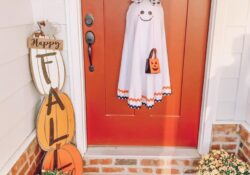 50+ great fun Halloween wreaths to decorate your front door