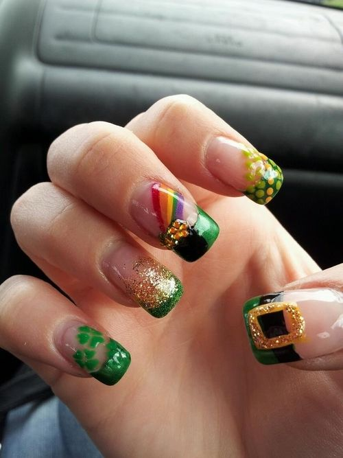 Nails with dwarf nail art for St. Patrick & # 39; s Day