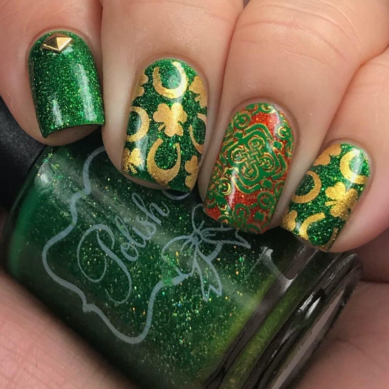 Quotes with green and gold St. Patrick & # 39; s Day nail stickers