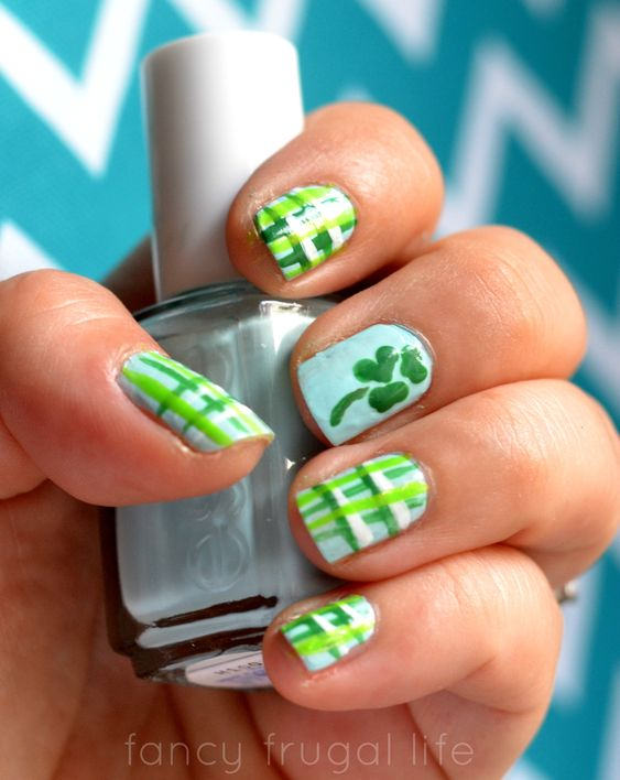 Clover Nail Art on St. Patrick & # 39; s Day Nails