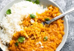 Spicy Thai Lentil Curry | sweetpeasandsaffron.com