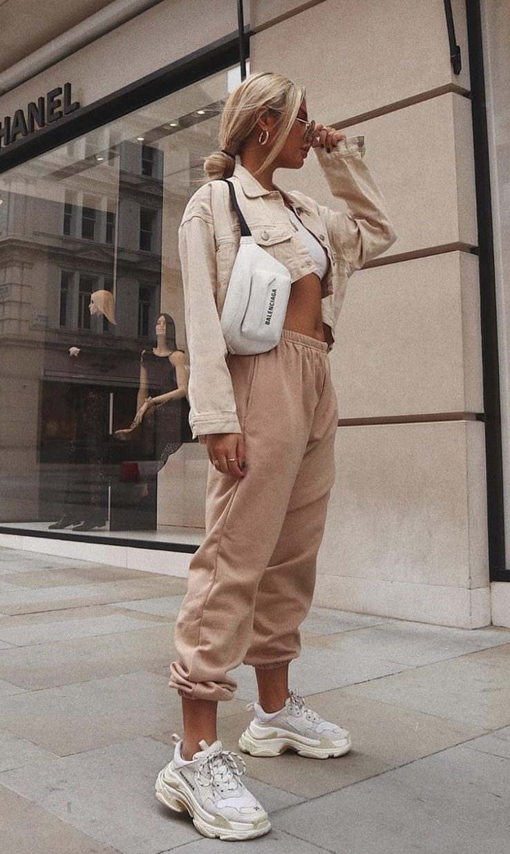 Sweet beige outfits with joggers