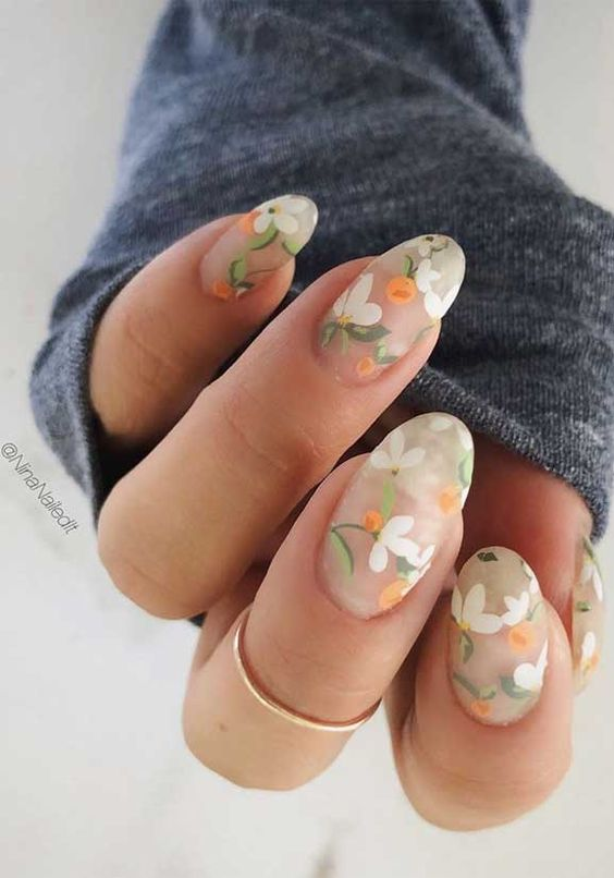 Flower nails for spring