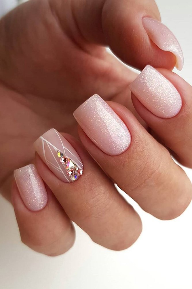 Short pink bridal nails