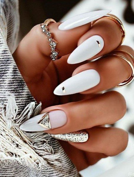 White acrylic almond wedding nails with gold