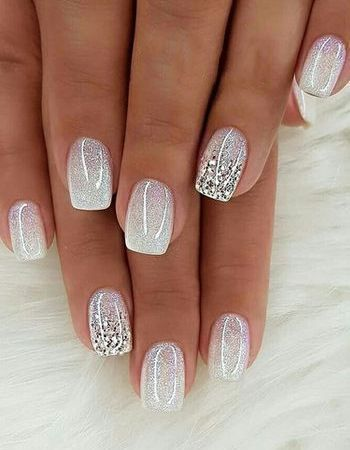 White short wedding nails for bride with glitter