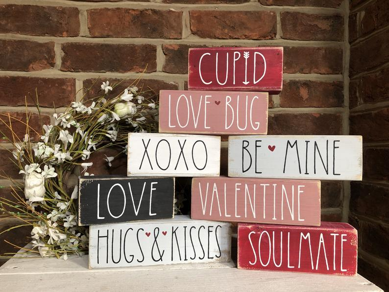 18 Fascinating Valentine's Day Signs You Will Want To Put
