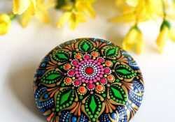 50+ Best Painted Rock Ideas Easy to Rebuild