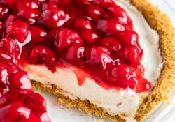 EASY no-bake cheesecake (5 ingredients!)