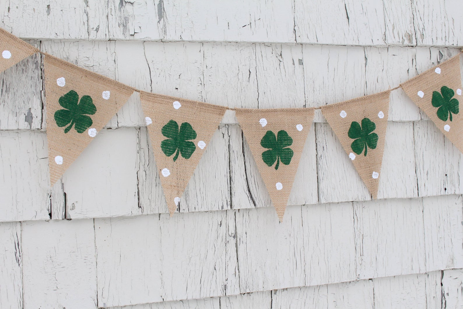 Decoration ideas for St. Patrick & # 39; s Day - clover wreath