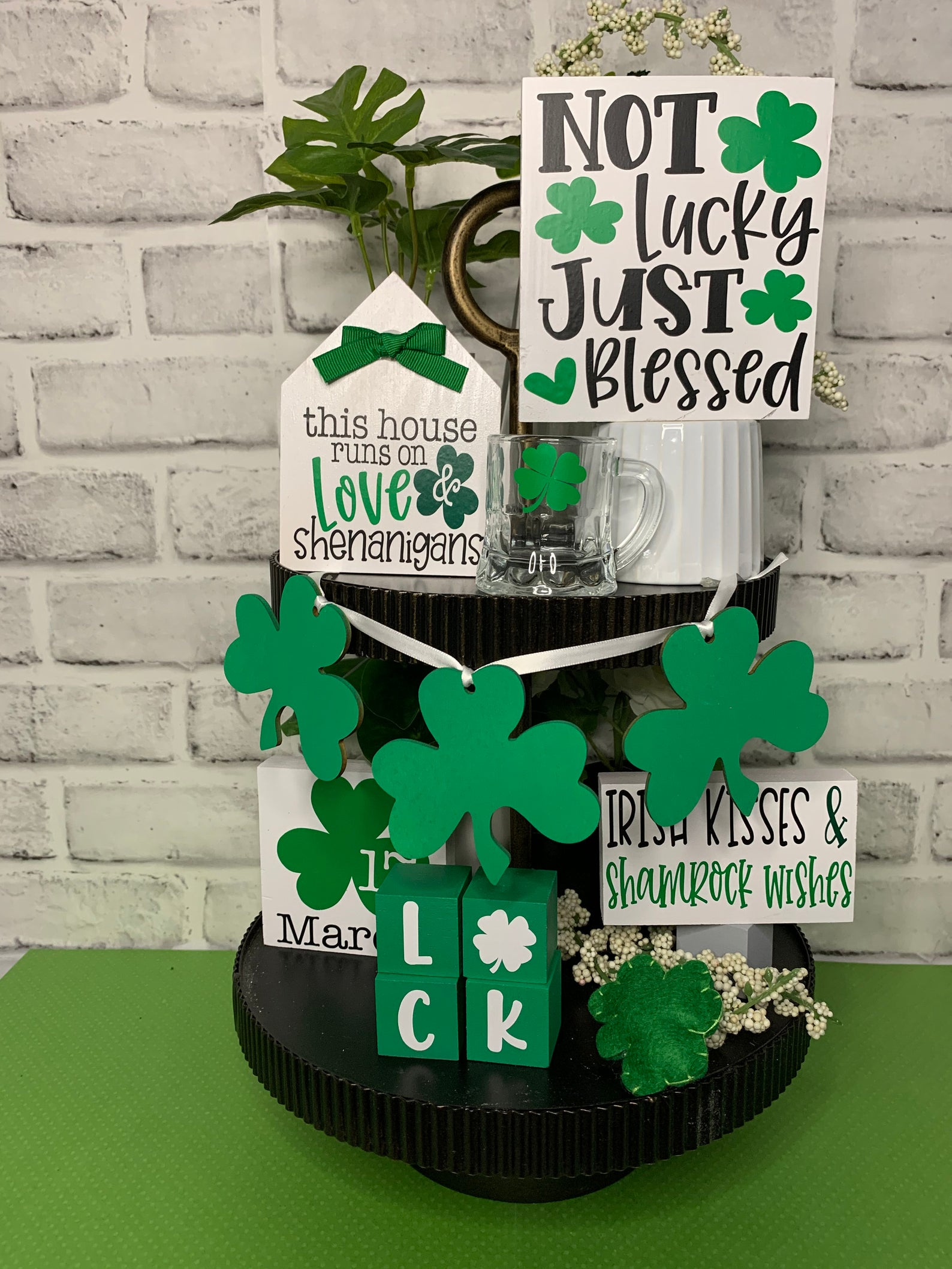 Decoration ideas for St. Patrick & # 39; s Day with shamrock