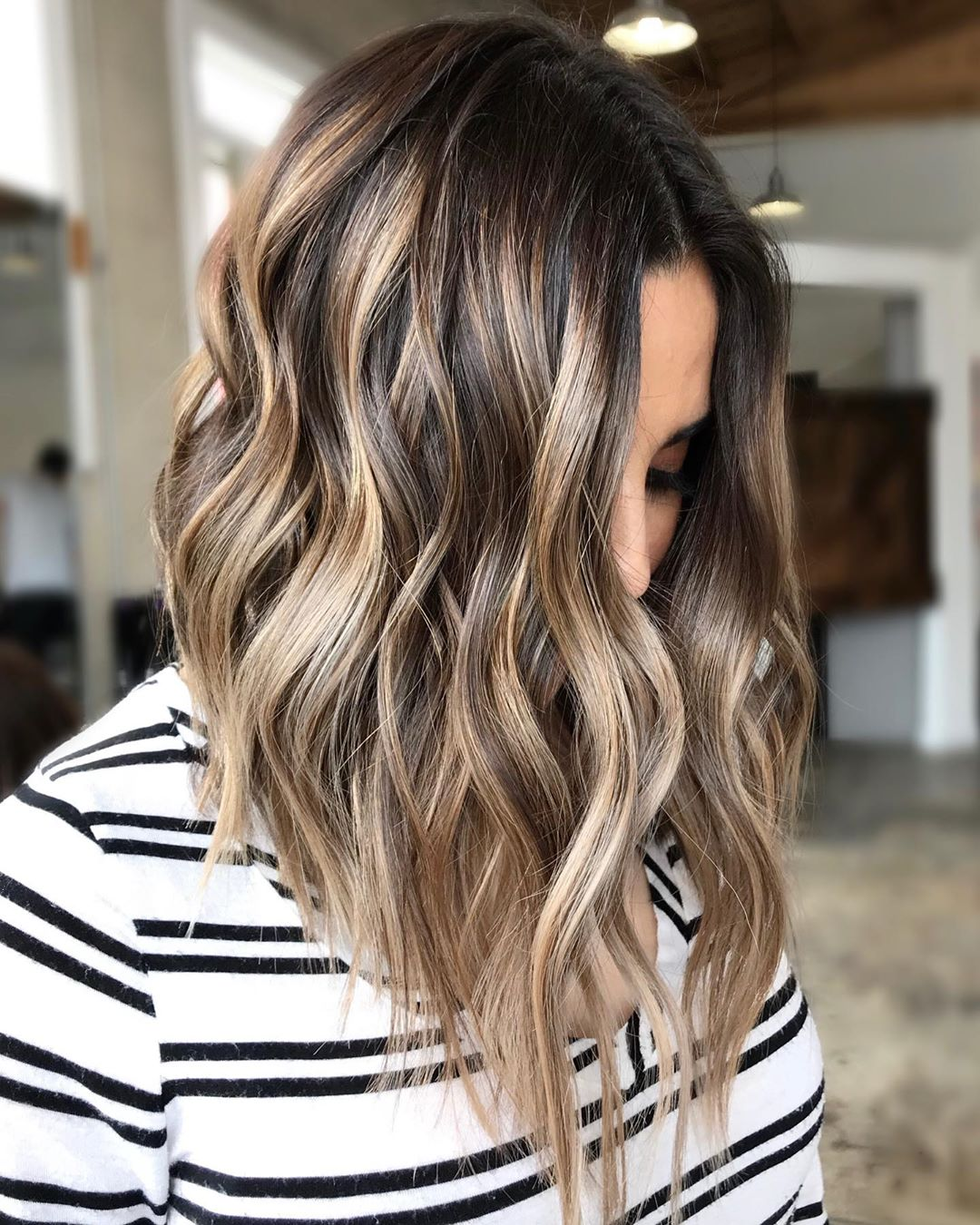 Shoulder Length Haircut Designs for Women - 2021 Meidum Haircuts and Hairstyle Ideas