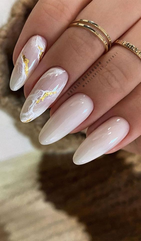 White marble nails with gold