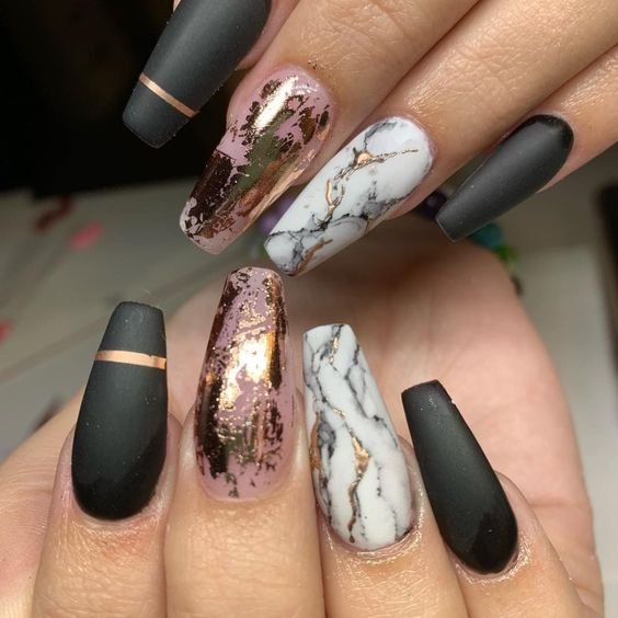Gray and rose gold marble nails