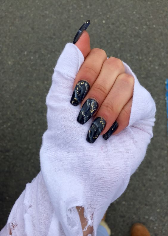 Cute black marble nails with gold