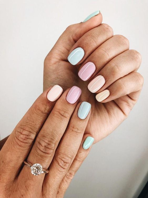 Cute pastel ombre short nail designs