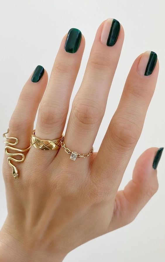 Simple and cute dark green nails