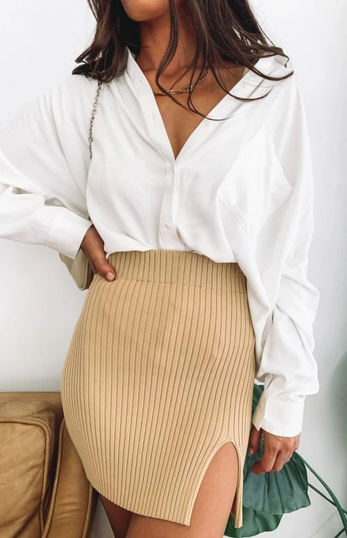 Nice beige ribbed skirt outfit