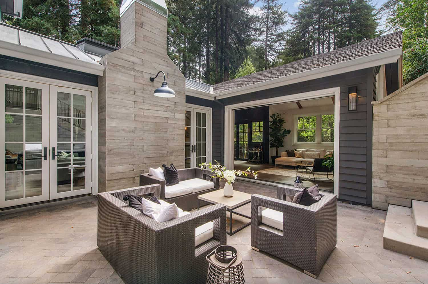 Transitional house terrace