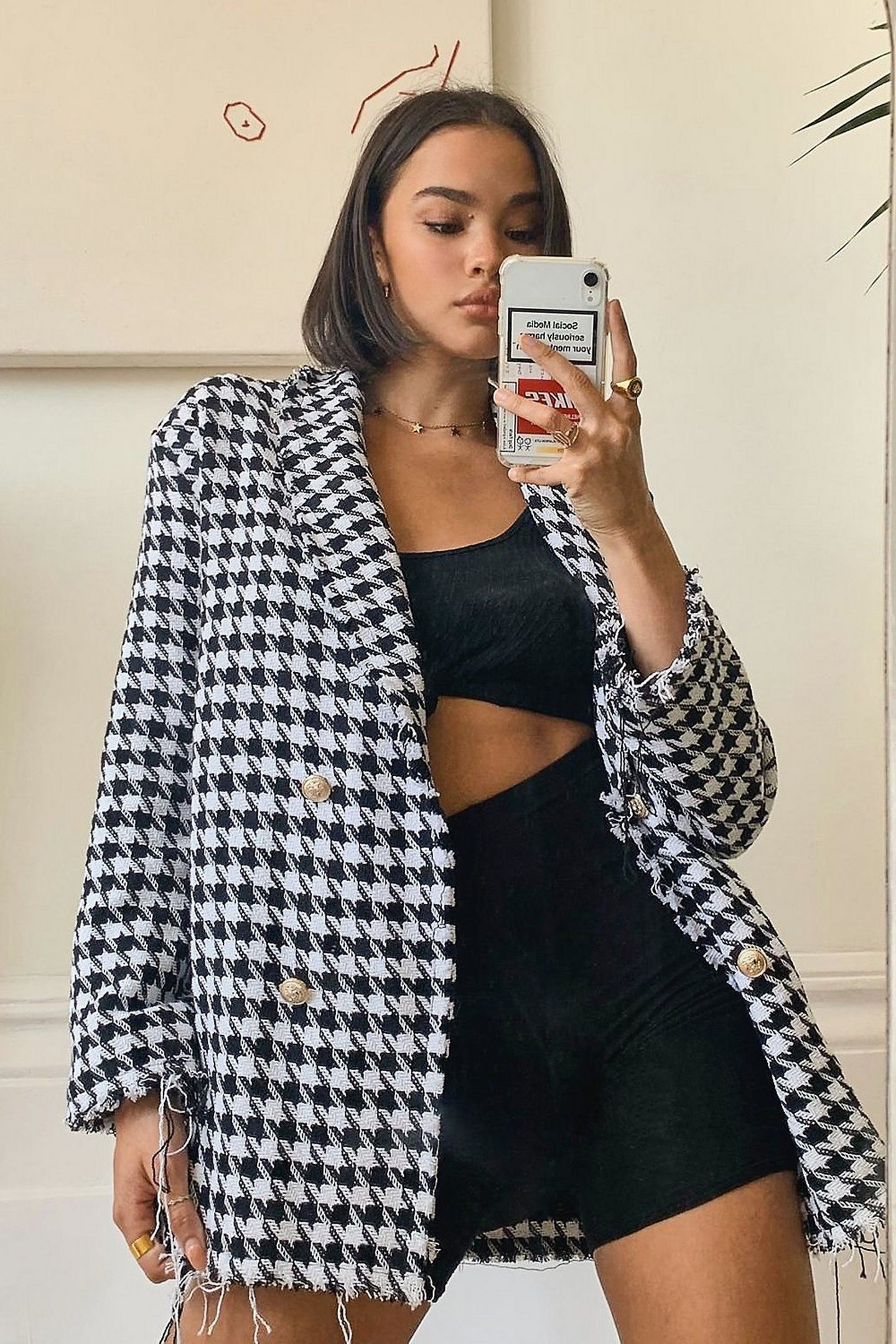 Blazer outfit with crowbar pattern in black and white