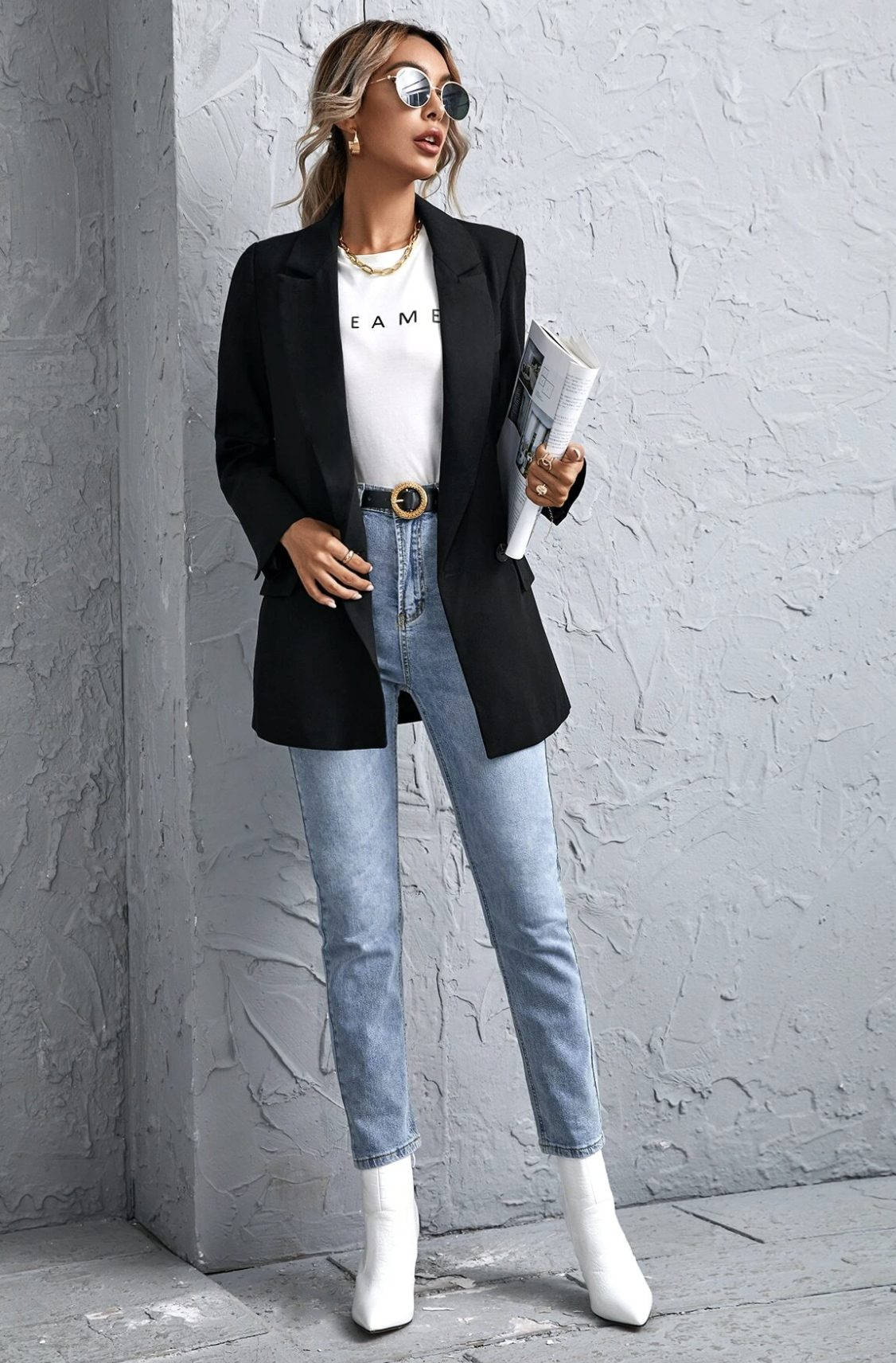 Casual black blazer with jeans and a t-shirt