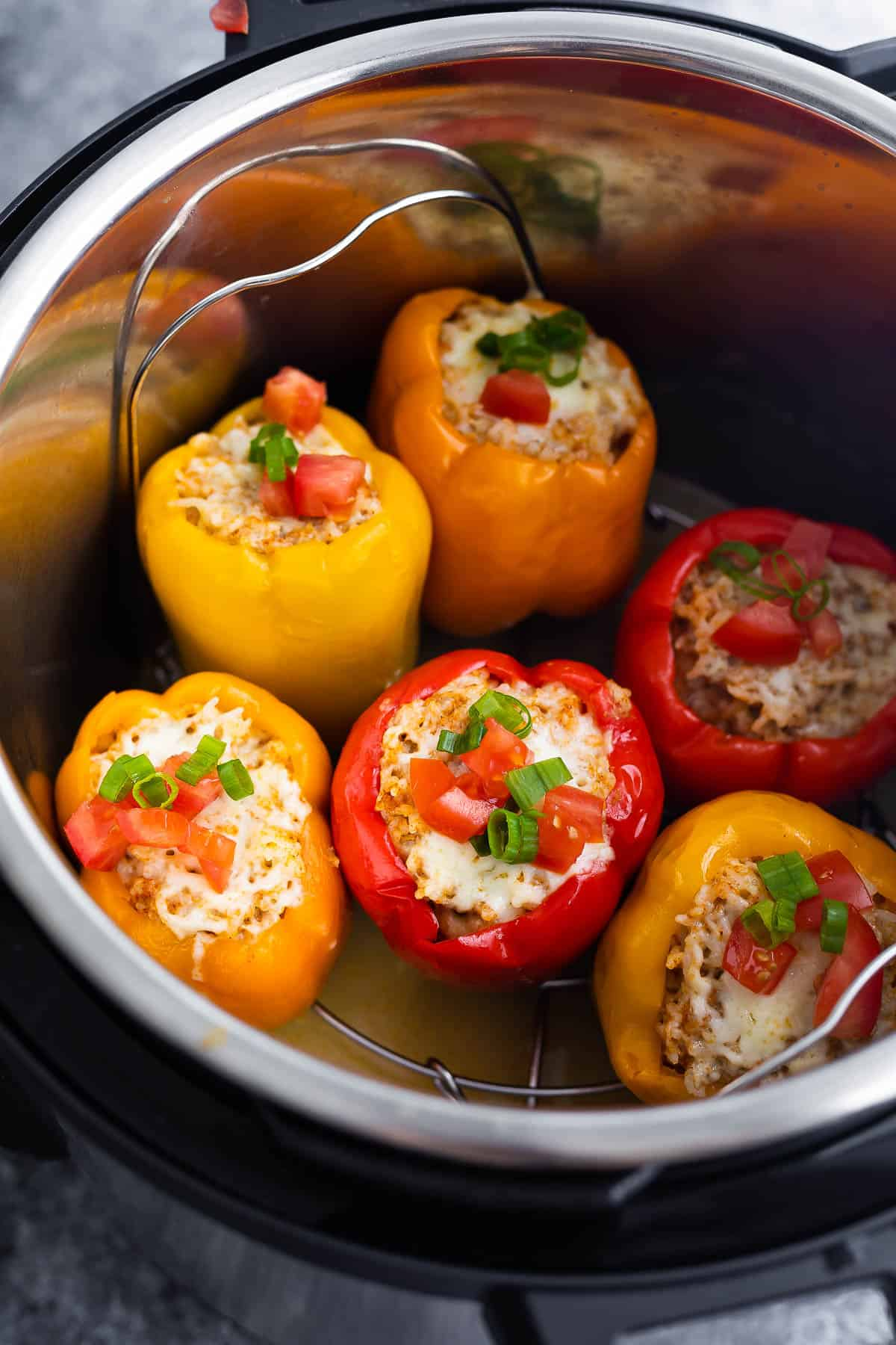 Stuffed peppers in the finished pot