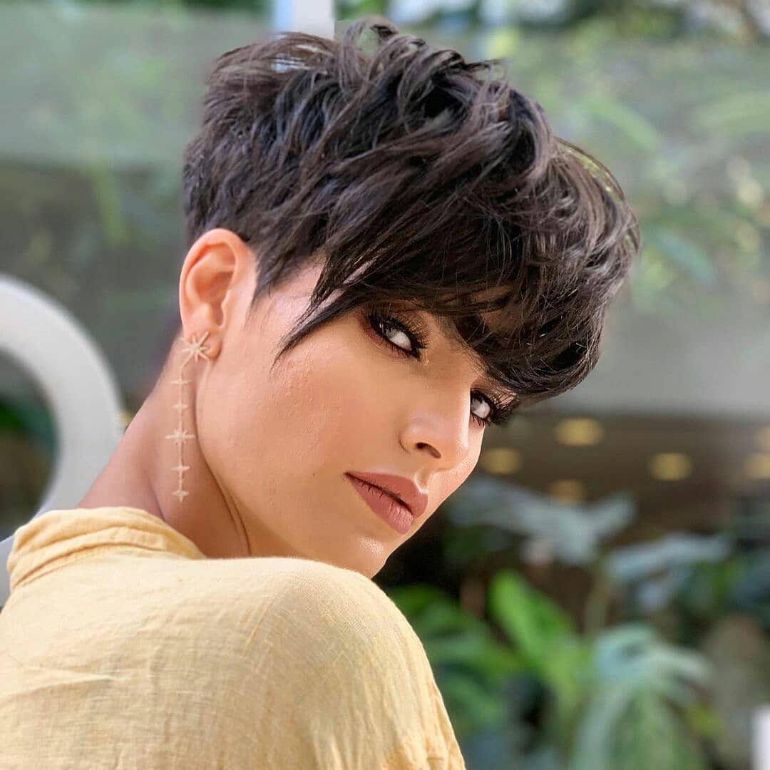 Stylish Short Hairstyles and Short Hairstyles for Women 2021-2022