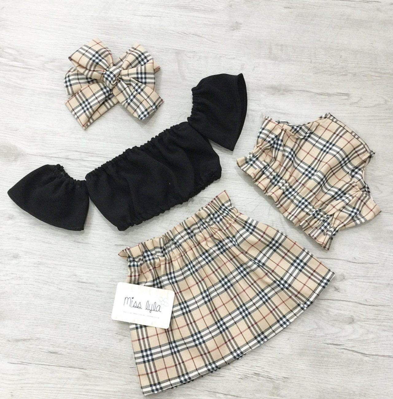 Cute summer clothes for baby with tartat skirt